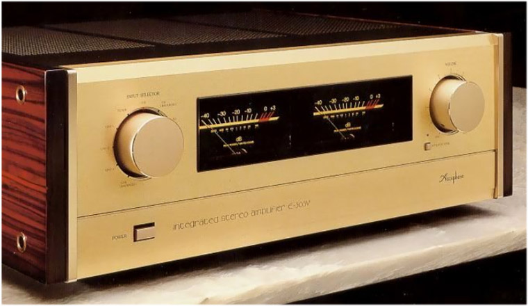 Amply Accuphase E 305V